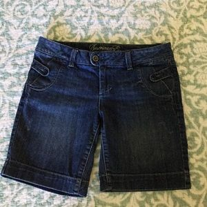 AEO Denim Shorts with Lots of Detail, Size 8